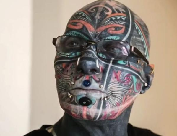 Almanya'nın dövme adamı: Vücudunun yüzde 98'i dövmeyle kaplı