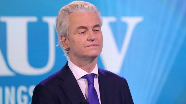 Hollandalı seçmenler aşırı sağcı lider Wilders'in 'Müslümanlara daha iyi davranmasını' istiyor