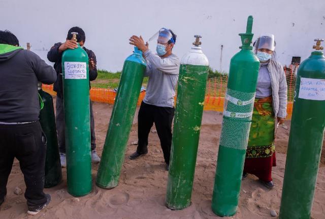Koronavirüs salgını bir büyük sorunu daha tetikledi: Sağlık sektöründe oksijen bulunamıyor