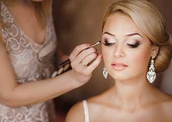 Düğünde yarı yolda bırakmayacak makyajın sırrı: Kontür makyaj