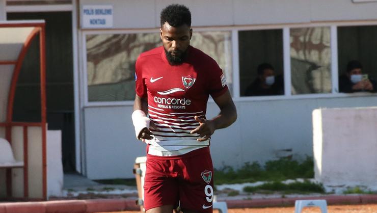 Son dakika transfer haberi: Fenerbahçede Boupendza için bir